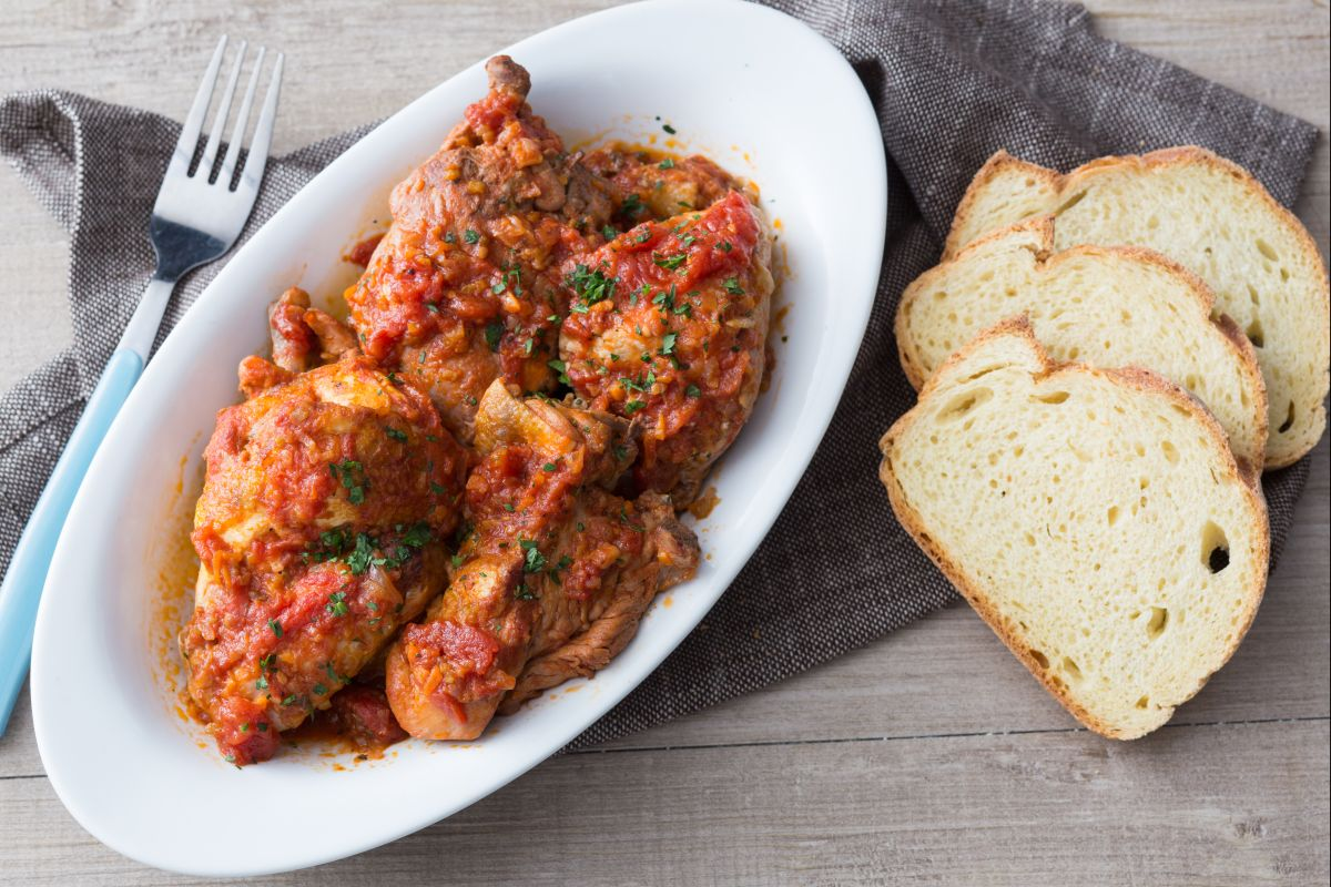 Chicken Cacciatore (Chicken stew with peppers)