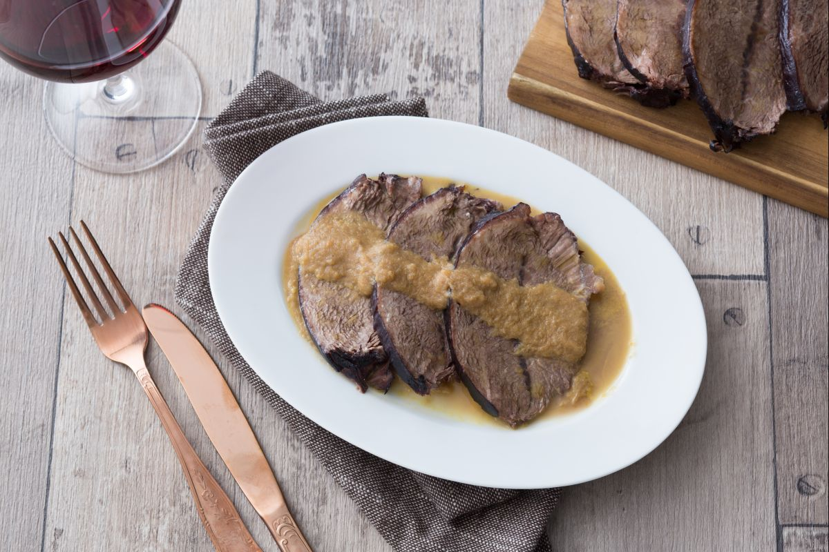 Brasato al Barolo (Beef stew with Barolo wine)