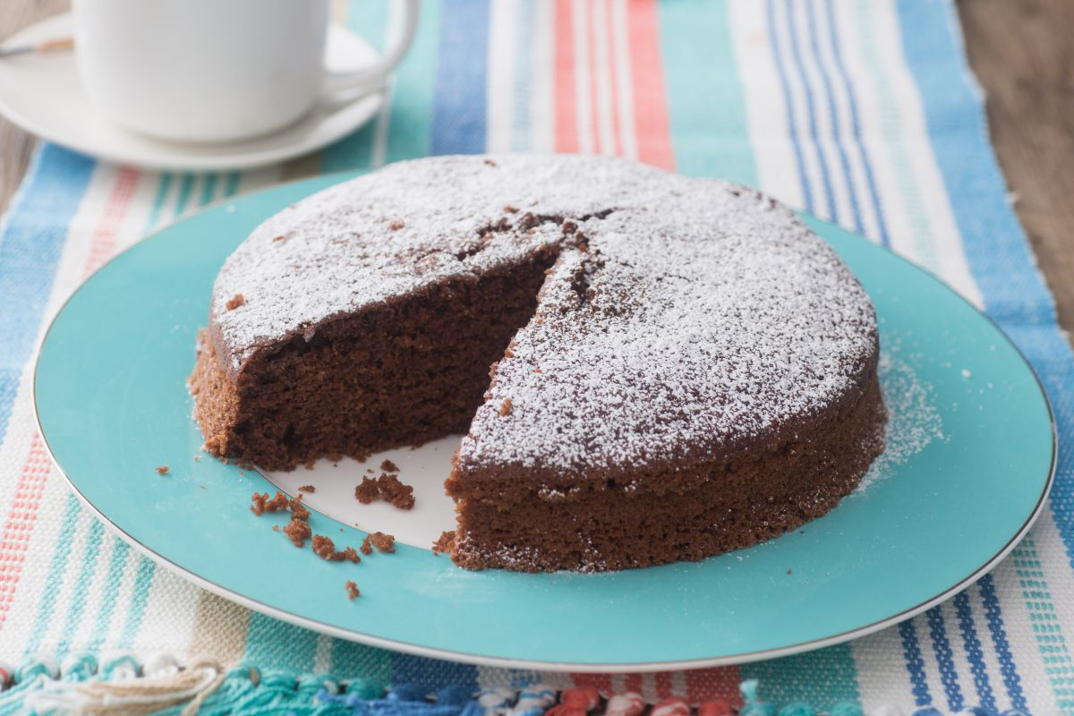 Butter and egg-free chocolate cake