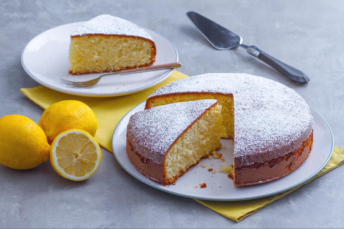 Soft lemon cake