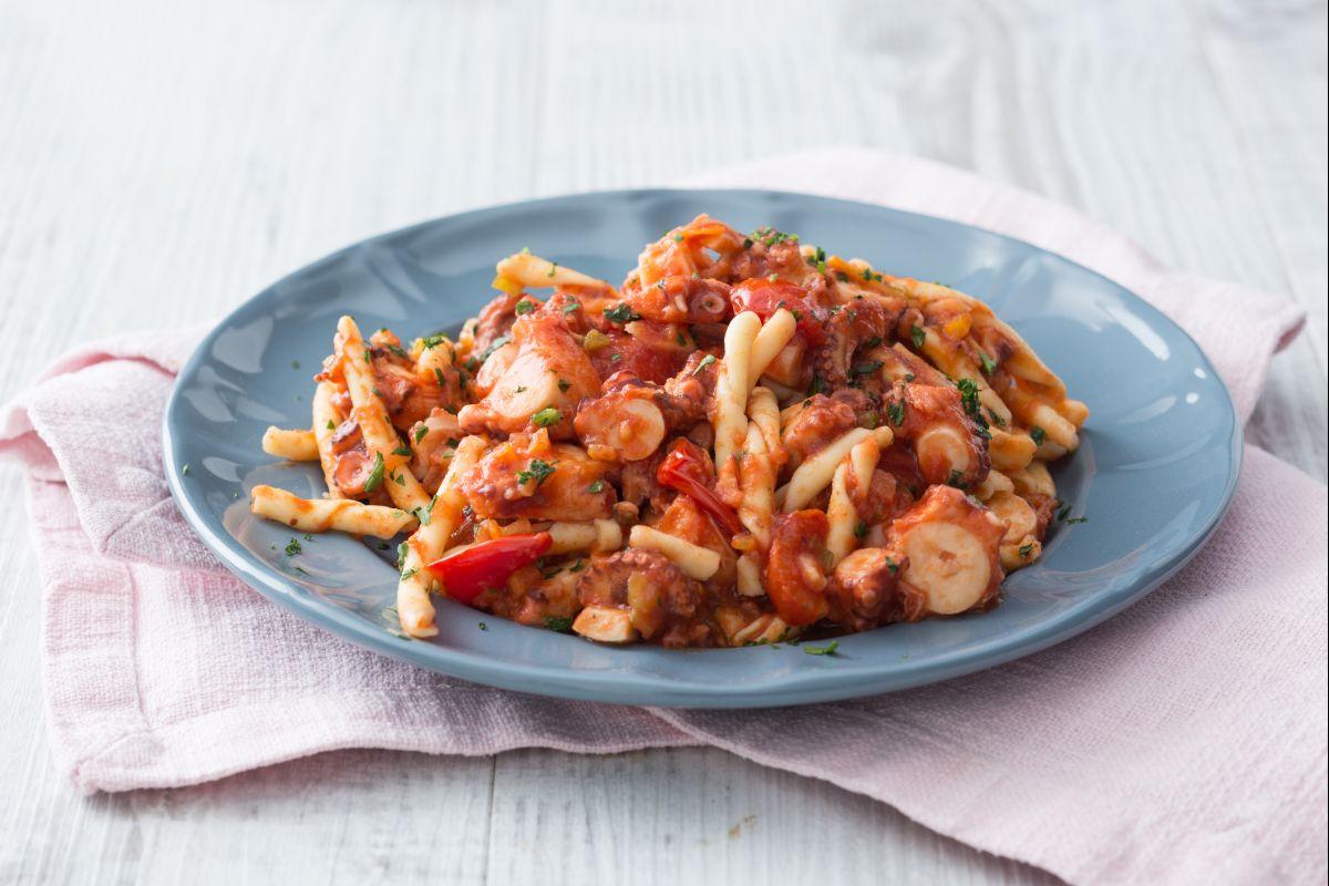 Strozzapreti pasta with octopus sauce