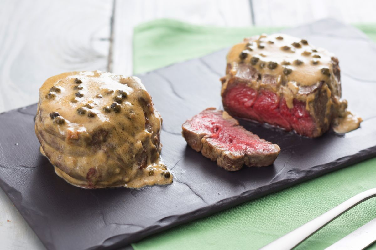 Beef fillet with green peppercorn sauce